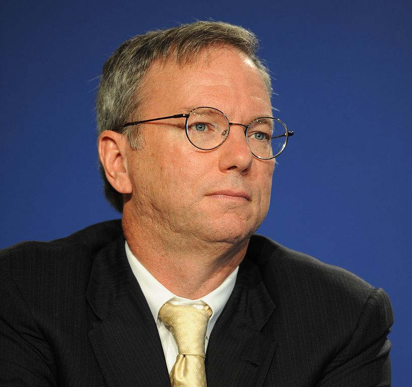 817px-Eric_Schmidt_at_the_37th_G8_Summit_in_Deauville_037_(crop)
